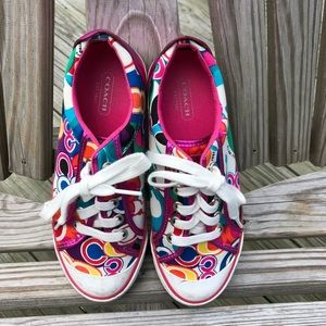 Adorable Coach sneakers in size 8b